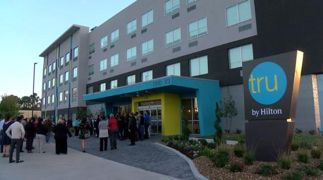 Tru by Hilton hotel in Lafayette