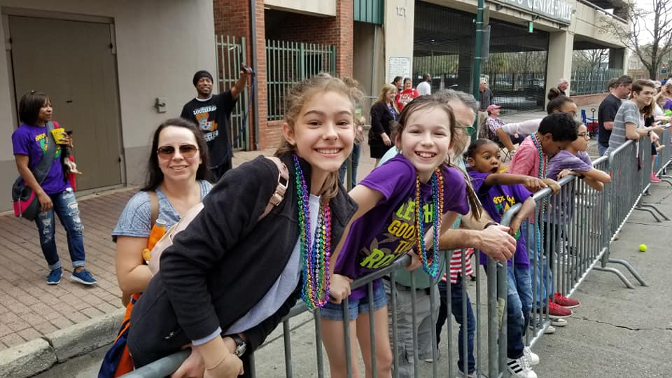 crowd at Krewe des Chien